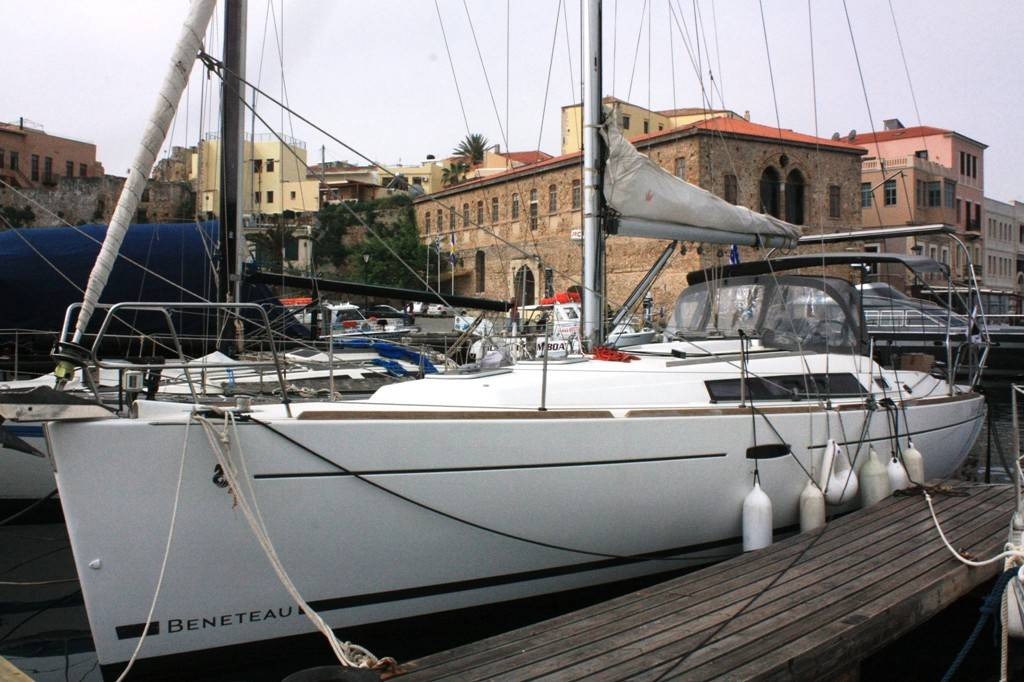 Yacht charter_Notos_Mare_Yacht_Charter_Chania_Crete