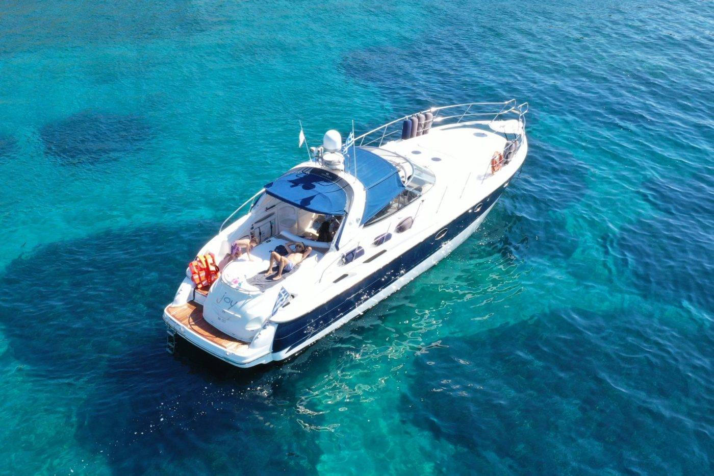 Notos_Mare_Motor_Yacht_Cranchi_Mediterrannee_yacht_charter_Chania_Crete_Sfakia